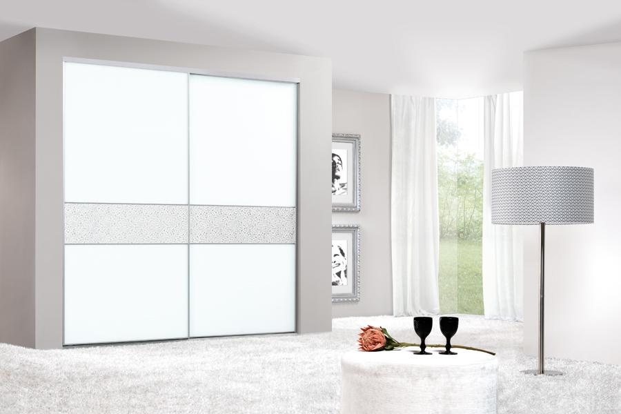 roupeiros-com-portas-de-correr-mod-p3d-vidro-lacado-fosco-4mm-faixa-central-painel-ll-floral-white-silver-matt