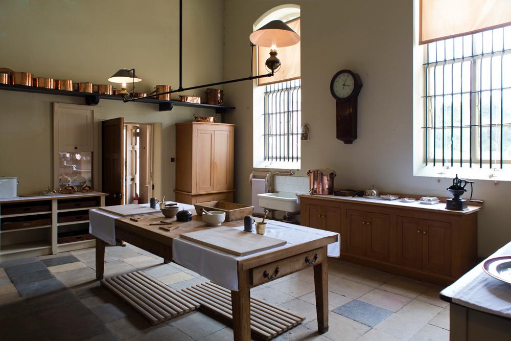 victorian-kitchen-770286